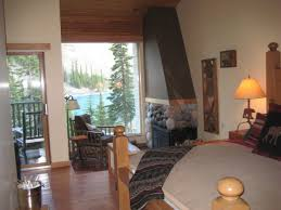 Crater Lake Lodge Dining Room by Whit U0027s Wilderness Reasons To Love Moraine Lake Lodge Canada