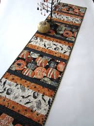 100 halloween table runner pattern this free runner pattern