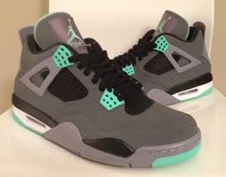 green glow 4 2013 nike air retro 4 iv green glow new images the
