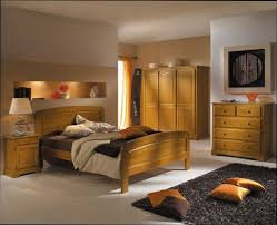 chambre en pin chambre deco deco chambre avec meuble en pin