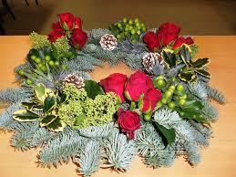 christmas arrangement ideas 15 flower arrangement ideas for christmas inspired