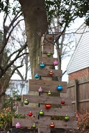 Outdoor Christmas Yard Decorations Sale by 147 Best Christmas Lights And Lawn Decor Images On Pinterest