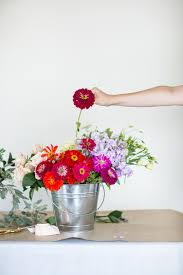 how to create a simple floral arrangement