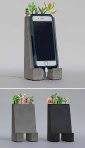 Wall Mounted Cell Phone Charging Station by Best 25 Iphone Holder Ideas On Pinterest Phone Charger Holder