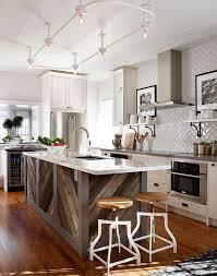 cuisine recup cuisine bois de récupération en 20 idées d aménagement rustique