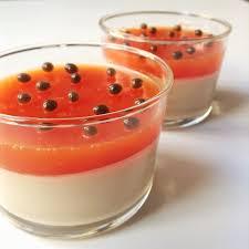 panna cotta hervé cuisine panna cotta végane avec coulis de papaye gourmétier