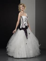 robe de mari e noir et blanc collection aurye mariages 2011 la couleur