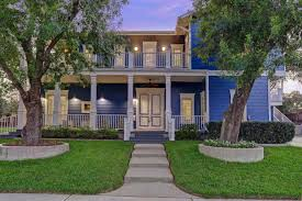 the little couple u0027 jen arnold and bill klein sell texas home