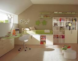 schöne kinderzimmer kinderzimmer einrichten ideen schönes design grasgrünes bett