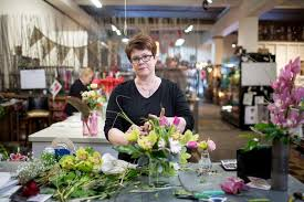 floral shops florist friendly marketplaces help local flower shops hang on