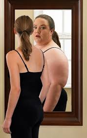 Scumbag Fat Girl Meme - girl looking in mirror thinking shes fat