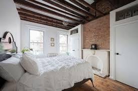 chambre poutre apparente design interieur plafond poutre apparente chambre coucher mur