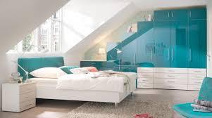 wandgestaltung für jugendzimmer lila dachschräge kreative bilder für zu hause design inspiration