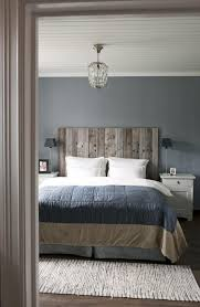 weathered wood masculine headboard driftwood decorating ideas