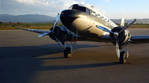 fly si e social why the dc 3 continues to fly decades after wwii from planes
