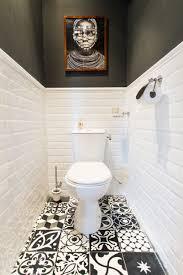 toilettes en noir et blanc toilettes on se lâche sur la déco