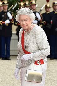 queen elizabeth u0027s favorite handbag u2014 launer purse cost and photos