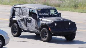 jeep truck 2018 spy photos 2018 jeep wrangler taillights spied after wardrobe malfunction