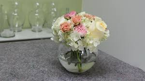 small centerpieces how to make a small hydrangea centerpiece