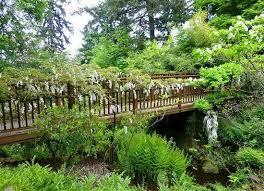 Elk Rock Garden Pedestrian Bridge Picture Of Elk Rock Garden Portland Tripadvisor