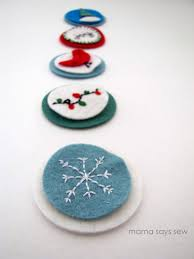 fun felt christmas gift embellishments a little tipsy