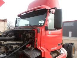 volvo white trucks for sale volvo vnl salvaged truck cab for a 2000 gmc volvo white vnl660 for