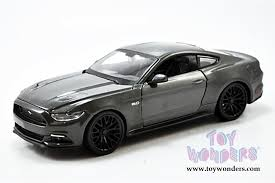 mustang gt model ford mustang gt top 31508gy 1 24 scale maisto wholesale