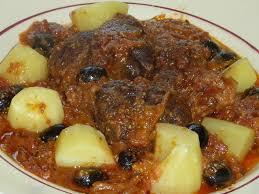 cuisiner un jarret de boeuf jarret de boeuf aux tomates aux olives et aux poivrons le