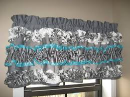 Gray Kitchen Curtains by 65 Best Ventanas Cortina Images On Pinterest Bathroom Sets Home