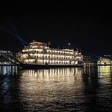 savannah boat parade of lights 2017 savannah riverboat cruises visit savannah