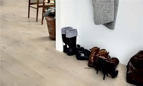 Difference Between Laminate And Vinyl Flooring Floor Pergo Vinyl Flooring Is Pergo Vinyl Plank Flooring Does
