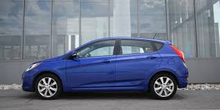 2014 hyundai accent hatchback review car review 2014 hyundai accent driving