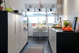 chic small apartment kitchen design with mini bar counter and
