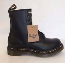 dr martens womens boots size 9 dr martens 1460 womens 11821006 black smooth leather 8 eyelet