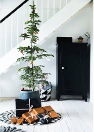 22 minimalist and modern tree décor ideas digsdigs