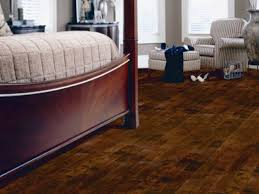 Laminate Flooring High Gloss Laminate Bedroom Flooring Ideas Three Beige Le Beanock Plus Chains