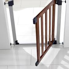 Baby Gates For Stairs No Drilling Decorating Make Your Baby Stay Safety With Munchkin Baby Gate For