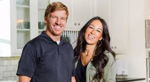 Chip And Joanna Gaines Of Hgtv U0027s Fixer Upper Announce New