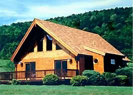 21 log cabin builders share their 1 tip for building log homes