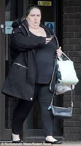 Obese fraudster who posed as pretty women on Plenty of Fish to con     Daily Mail