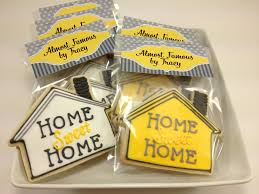 Housewarming Decoration Ideas by Love This For Inviting The Neighbors To Our House Warming Party