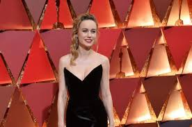 brie larson casey affleck brie larson says not clapping for casey affleck spoke for itself