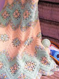 free pattern this absolute beauty grannies and ripples afghan free pattern this absolute beauty grannies and ripples afghan is one of the most cleverly worked crocheted i ve seen handmade kniting jewelry bag decor