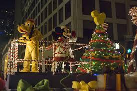 magnificent mile lights festival 2017 holiday celebration lights up the mag mile chicago tribune