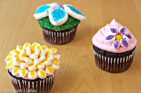 cakes candy and flowers how to make frosting flowers supplies