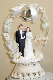 and groom figurines wedding cakes ideas vintage wedding cake topper and