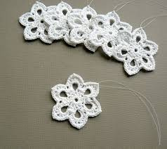 6 crochet ornaments small snowflake t36 in white