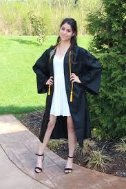 white graduation gowns graduation revealing 14 attractive and practical ways