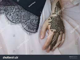 beautiful henna tattoo design on women stock photo 604038776