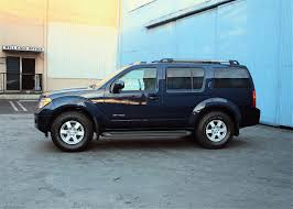 nissan safari lifted view of nissan pathfinder se off road photos video features and